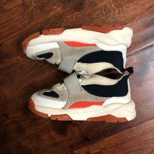 Zara boys shoes in size 25 ( US 8.5)